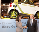 Mercedes-Benz and ACCIONA are driving a pilot project in Madrid with 42 cars using renewable energy